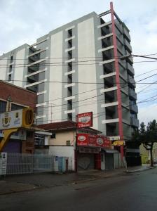 Rua Carvalho de Mendonça, Edifício comercial Serra do Mar.