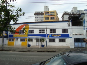Colégio Ateneu Santista, Rua Carvalho de Mendonça