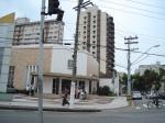 moderna Agência do Banco do Brasil nas esquinas da Rua Bahia X Av General Francisco Glicério.