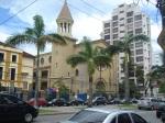 O Colégio São José, na Avenida Ana Costa.