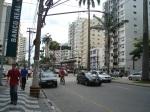 Avenida Ana Costa para quem observa em direção a Praça Independência.