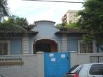 A Escola Municipal Leonor Mendes de Barros, na Praça Fernando Pacheco.